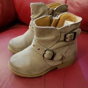 Rachel Shoes brand boots